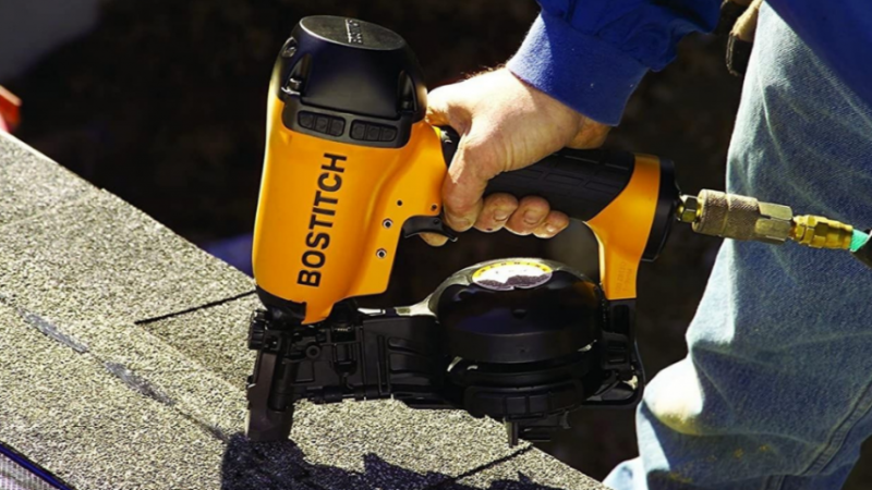 7 Best Roofing Nail Guns [2021 Reviews]
